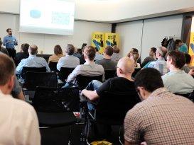 Christian Ochsenkühn über Digitale Innovation mit Chatbots & Spracheingabe