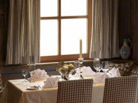 Tische Landhotel Weißes Ross Illschwang
