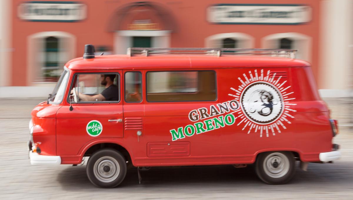 Einrichtung der Kaffeerösterei Grano Moreno